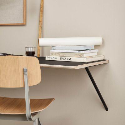 CANVAS - Schreibtisch zur Wandmontage aus Birkenfurnier mit dunkelgrauem Linoleum